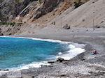 Het zand- kiezelstrand van Agia Roumeli foto 2   Chania Kreta   Griekenland - Foto van De Griekse Gids