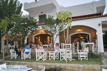 Matala Valley Village terras   Zuid Kreta   De Griekse Gids foto 1 - Foto van De Griekse Gids